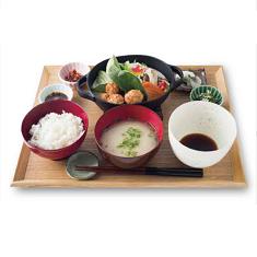 西京味噌を使った白ごま豆乳鍋